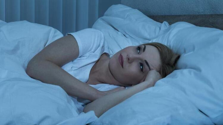 Hata: Uykuya dalamadığımızda ısrarla yatakta kalmak