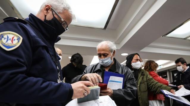 Yeşil Sertifika: AB vatandaşlarının serbestçe dolaşabilmesi için 'aşı pasaportu' uygulaması geliyor